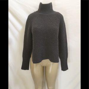 Everlane Size Large Dark Gray Chunky Knit Sweater